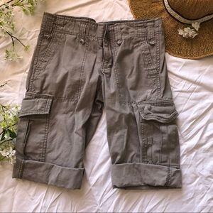 American Eagle Capri Pants